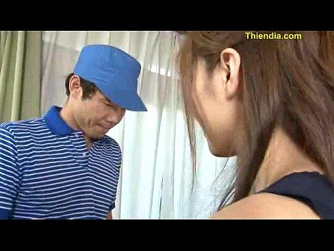 (椎名ゆな)ロケット乳ヒトヅマ人妻がウワキ、浴槽でテコキ足コキ逆強姦☆(えろムービー)