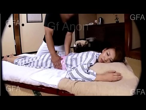細身モデル、KYOKOがぬるぬるオイルマッサージでsex(えろムービー)