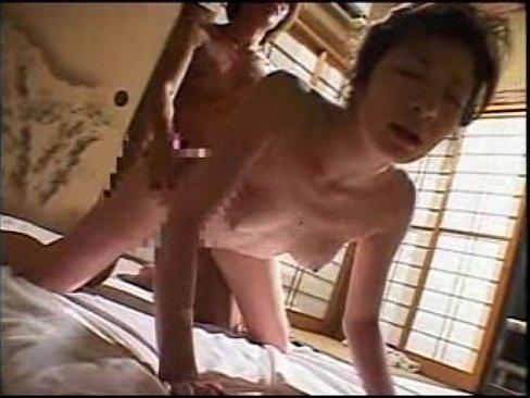 五十路熟女、川奈まり子の潮吹きプレイ!【エロ動画】