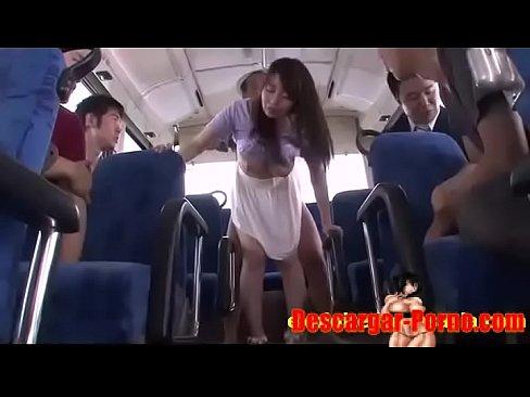 (夢乃あいか)美巨乳Gカップ女子大学生がBUSの車内で恥ずかしいチカンに☆☆周囲の男達の視線でさらにムラムラしてしまう☆☆(えろムービー)