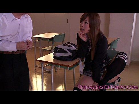 (瀬名あゆむ)セイフク女子高校生が、放課後の教室で痴ジョになる☆☆M男を逆強姦☆☆(えろムービー)
