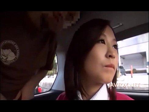 ぽちゃ超巨大美巨乳おねえさんをキャッチして車内でパイオツに悪戯だよ(えろムービー)