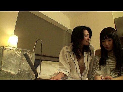 えろさムンムン美魔女の北条麻妃ちゃんが日常レズビアンプレイ(えろムービー)