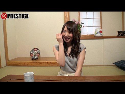 桜空もも神ボディの現役グラドルがAVデビュー!3PでGカップ巨乳が揺れまくり…【エロ動画】