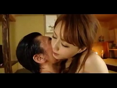 和室で乱れる美女…指マンでグショグショのマ●コをガンガン突きまくるセックス!!【エロ動画】