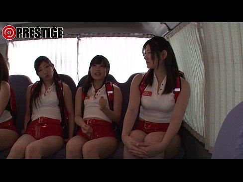 働く女性をキャッチでゲット、コスプレしてもらってハメハメしちゃう☆(えろムービー)