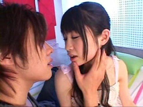 凄くえろい☆☆チクビ執拗責められるクロ髪モデル。ロリ顔で美巨乳は反則だろ☆☆(えろムービー)
