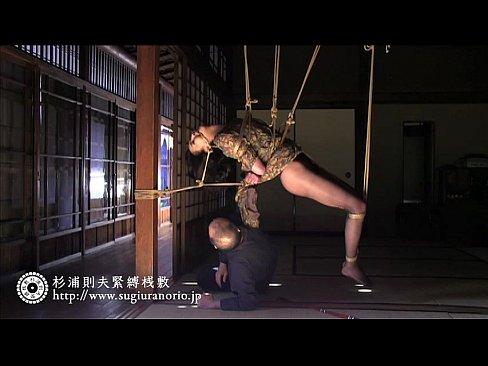 緊縛師に芸術的な緊縛をほどこされてのSMプレイ!【エロ動画】