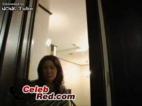 ヘンタイムスコに秘密撮影されていた母親の悲劇でござる☆☆(えろムービー)