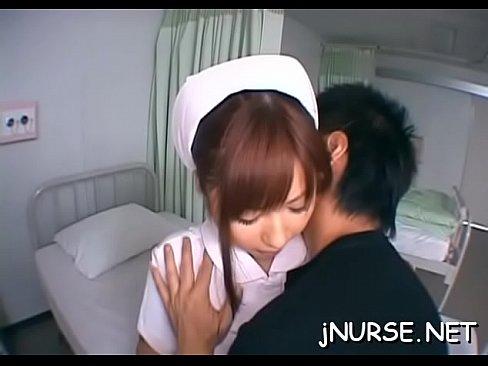 【成瀬心美】病室で激かわナースと舌をねっとり絡めるベロチュー!【エロ動画】