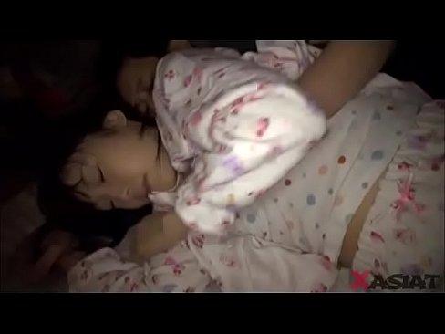 貧乳でパイパン美少女の、土屋あさみの近親相姦夜這い【エロ動画】