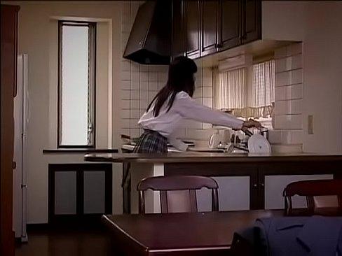【長澤つぐみ】JKが無職で毎日酒浸りのクソ親父に近親相姦中出しレイプされてしまう【エロ動画】