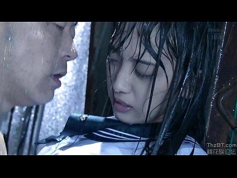 (辻本杏)雨宿りしてるずぶ濡れJKにベロKISSかまして陵辱するキチク男(えろムービー)