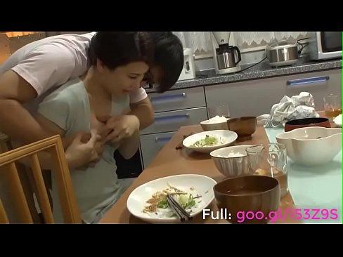 羽田璃子-親友の母親のブラジャーを盗みオカズにしていた思春期のBOY(えろムービー)