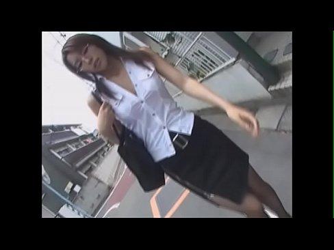 素晴らしい生々しさ!!帰宅中の眼鏡巨乳女教師を生徒が拉致って輪姦する一部始終 – 1【エロ動画】