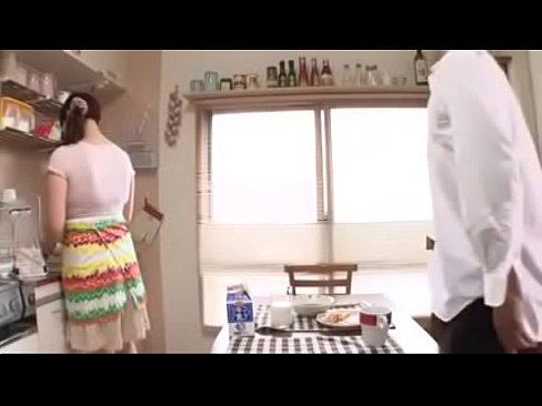 藤下梨花と片桐沙夜子の美巨乳人妻コンビが痴ジョりまくっています(えろムービー)