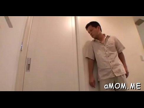 (北川エリカ)家に忍び込んでいた強姦魔にベロKISSされて感じまくるドSモデル(えろムービー)