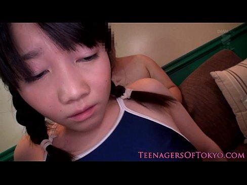 スク水姿の童顔女子校生を押え付けバイブで虐めて大量顔射ぶっかけ – 1【エロ動画】