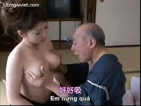 豊満な体で爺を挑発して豪快なふぁっくを愉しむ四十路おばさんのおばはん性誌45才ヘア(人妻) – 1(えろムービー)