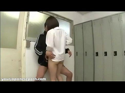 教師やめて〜☆更衣室で顧問の教師に襲われ後ろからハメられるw – 1(えろムービー)
