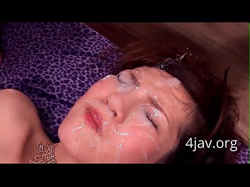 オネエさんが精子浴びすぎて目が開かずぐちょぐちょwww – 1(えろムービー)