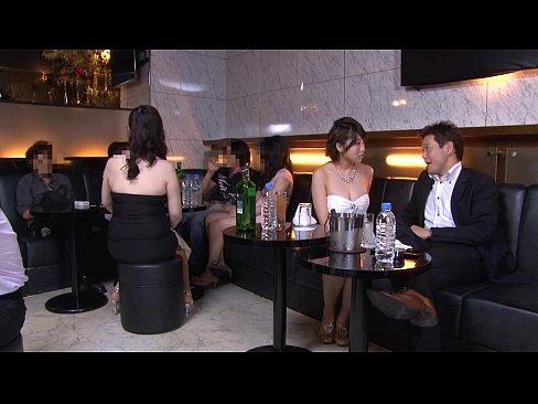 女の戦い。固定客つける為便所や店で枕しまくるホステス – 1【エロ動画】