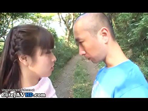 「キスしよ」別れる彼女に田舎道でベロチューせがまれフェラ抜きごっくん! – 1【エロ動画】