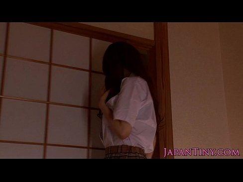 里美ゆりあが逆夜這い【エロ動画】